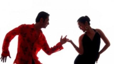 场舞爱情恰恰_拉丁萨尔萨舞(salsa)舞蹈教程-好知网-重拾学乐趣-PoweredByHowzhi