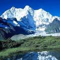 巍峨的山峰